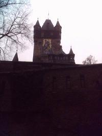 Die Burg von aussen gesehen